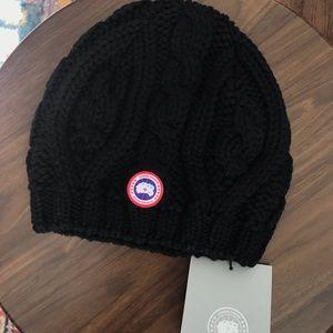 Canada Goose black beanie- 100% Merino Wool